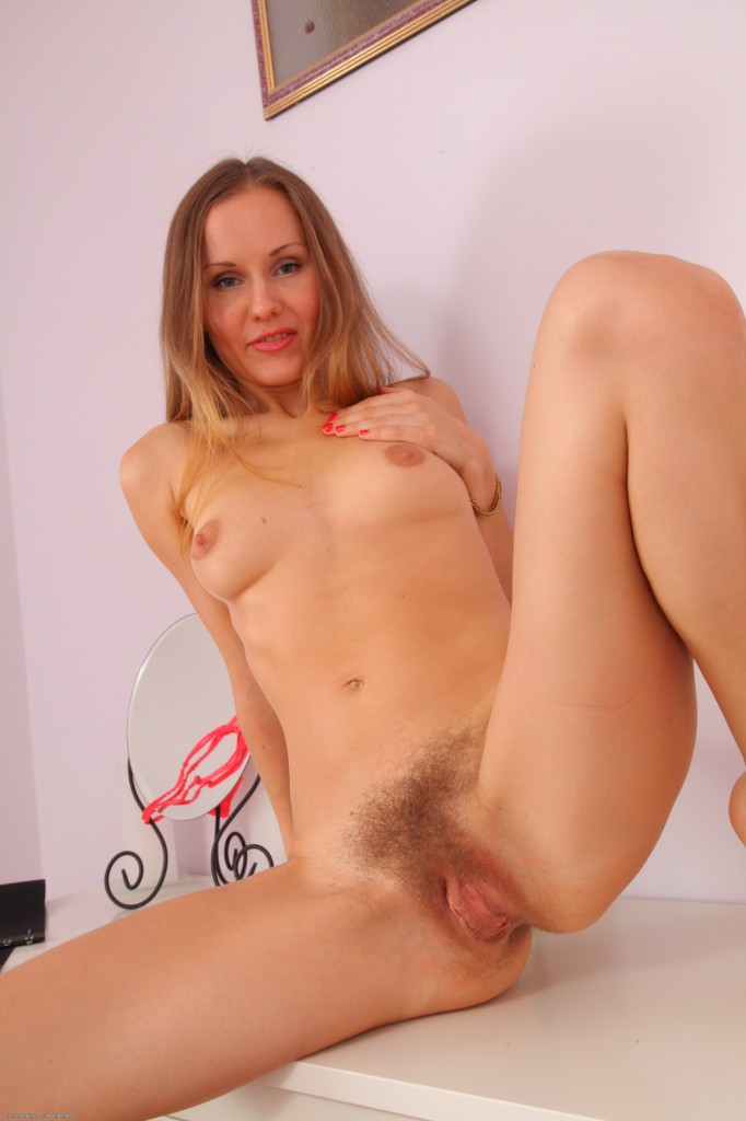 Natural hairy pussy cream