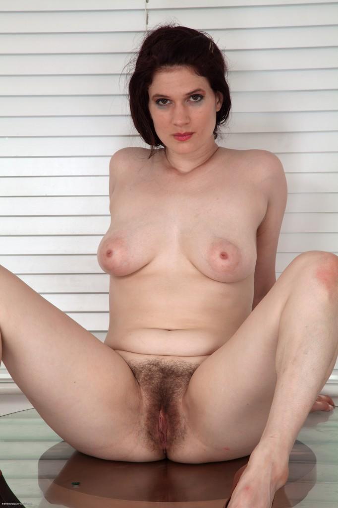 Sexy big women thick thighs girls
