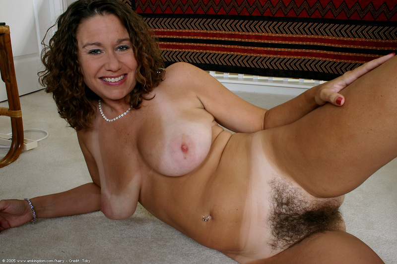 natural White girls hairy