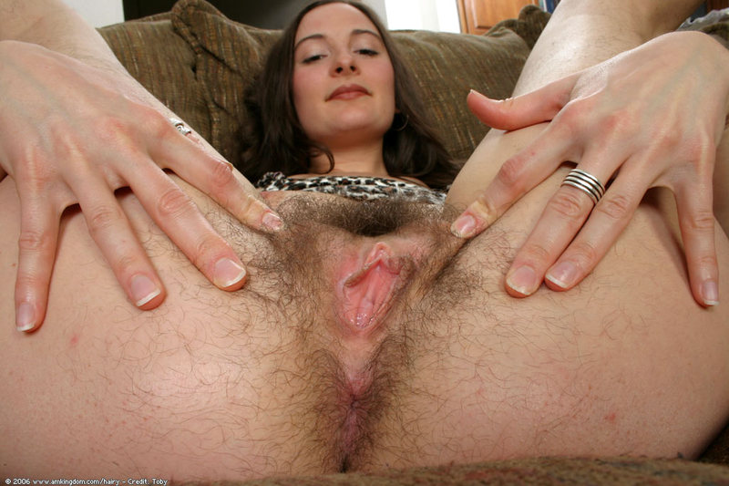 curvy brunette chick brenda chambers fucks anal and takes facial