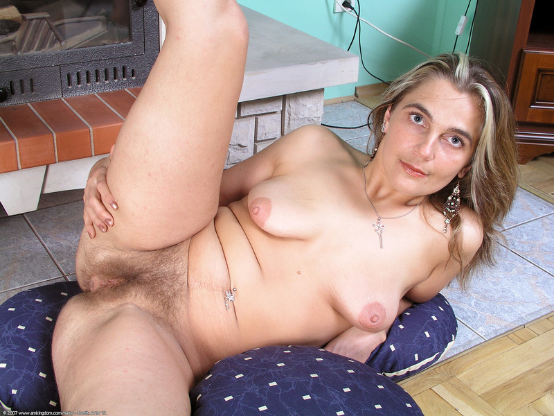 Xhamster very hairy mature pussy