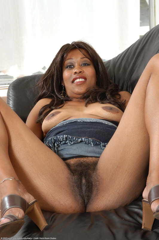 Has Hot black mom pussy