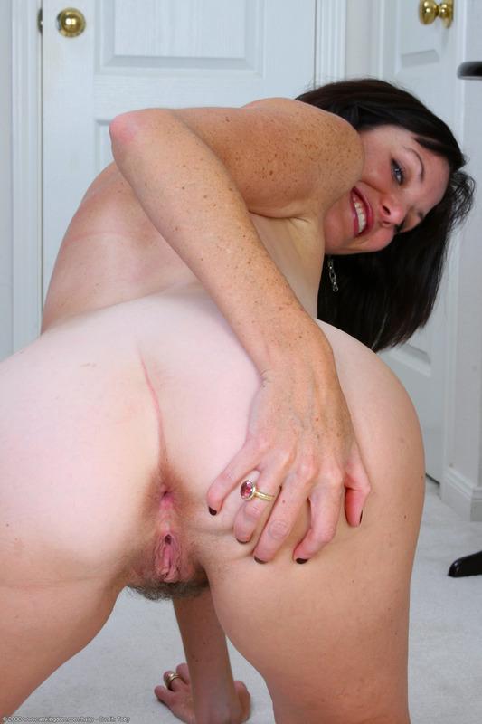 Women having sex withmen