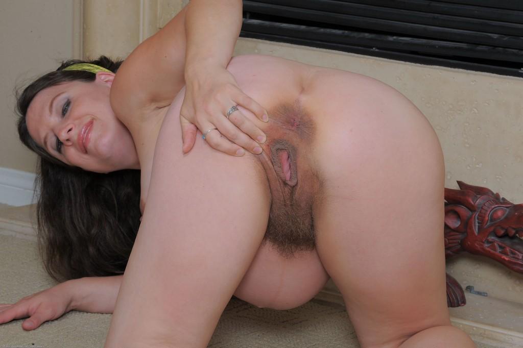 female nudist hand picked