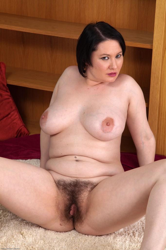 Порно сочных волосатых женщин