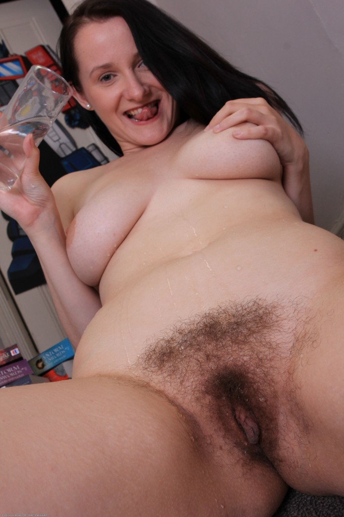 Hairy women cams