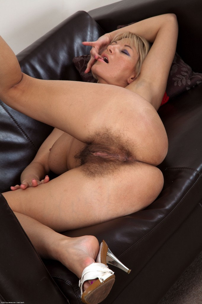 Rich wife naked