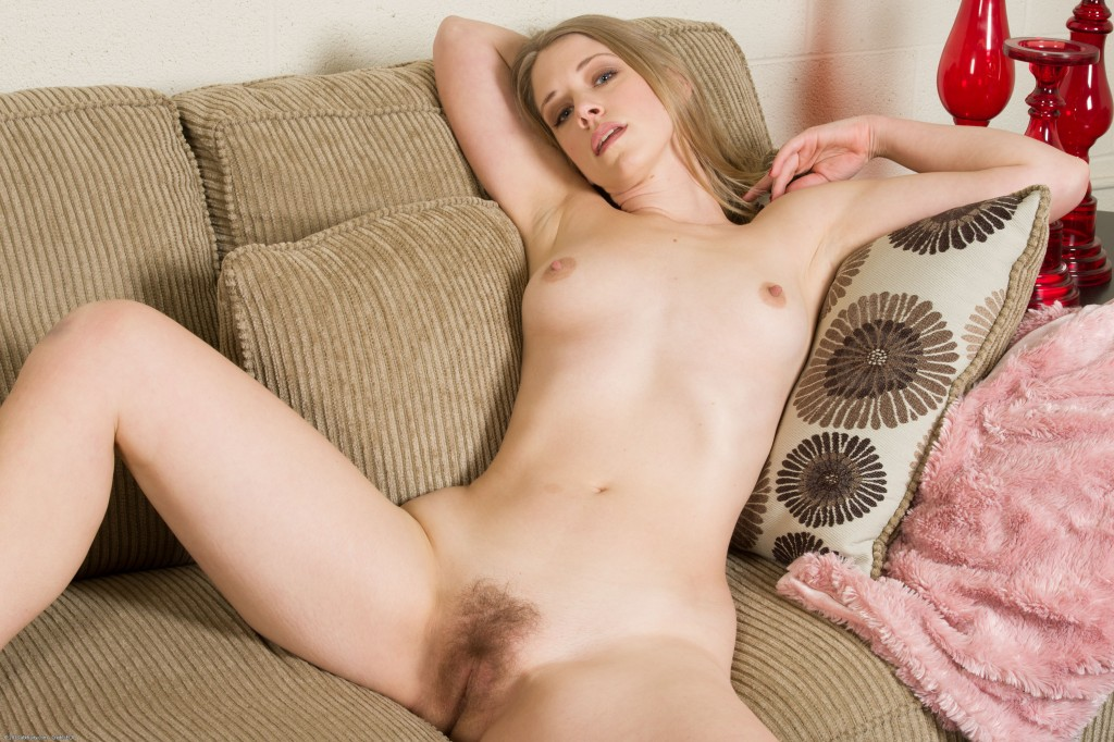 Stretched white pussy