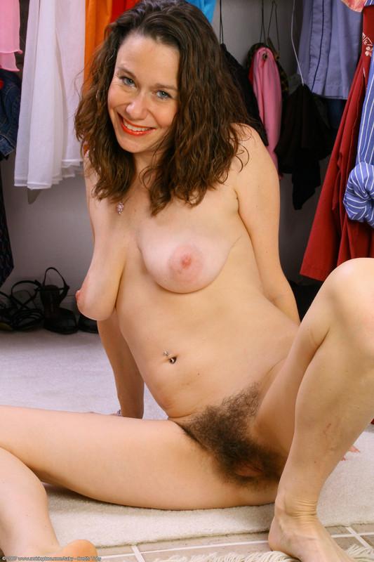 Nude women thumb pics