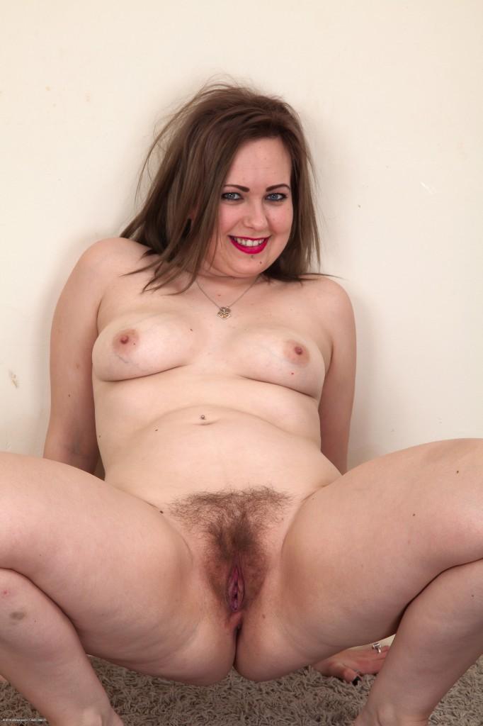 hot miranda cosgrove nude