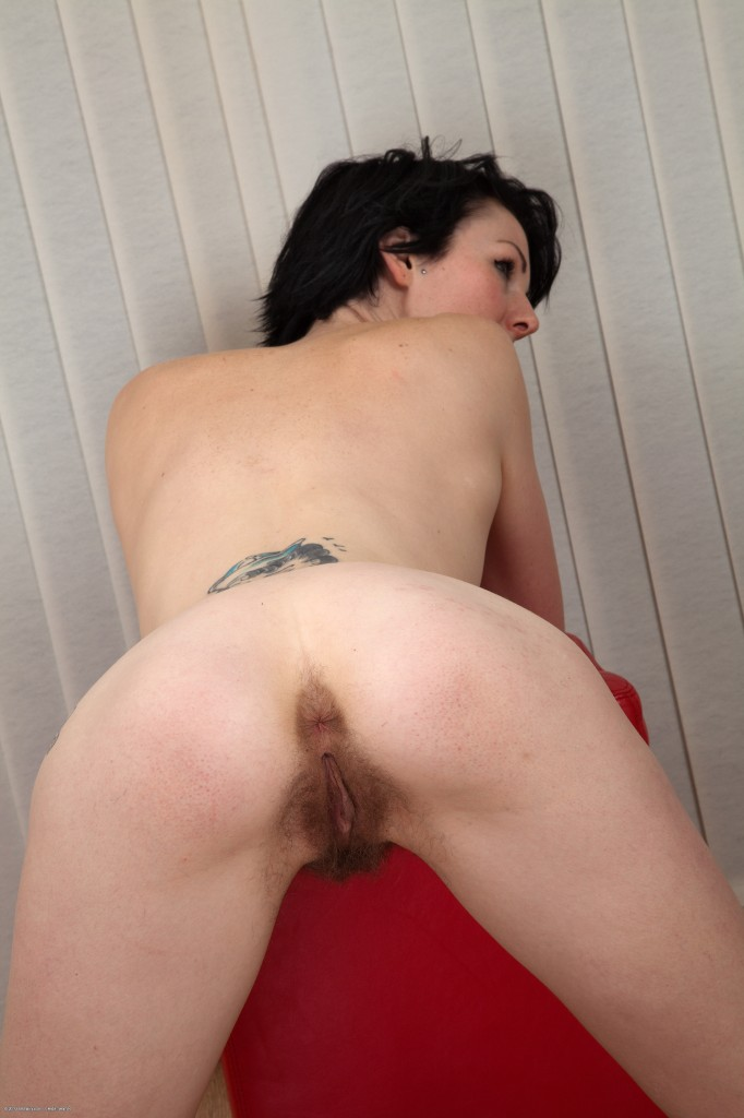 thick pussy lips on young