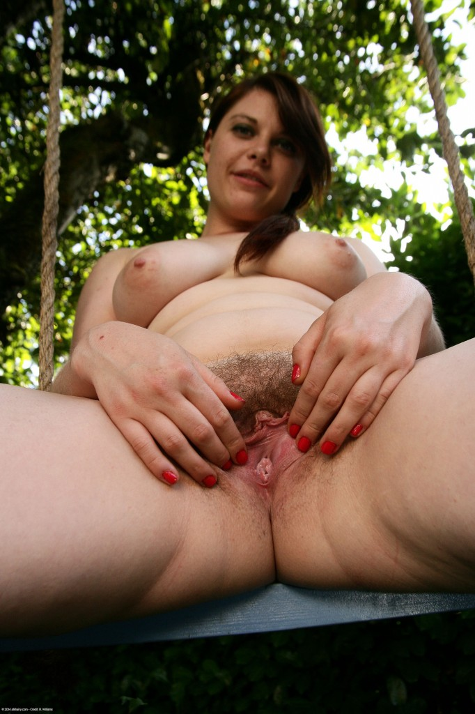 Hard hairy naked woman pissing thumbs